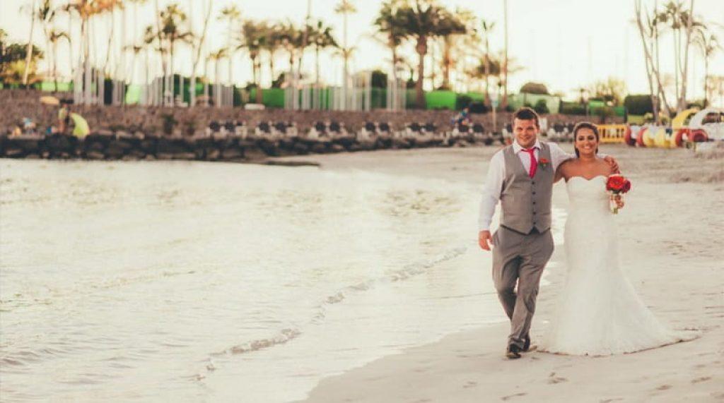 beach wedding dresses over 40