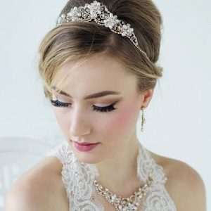 How to Wear a Tiara with Short Hair