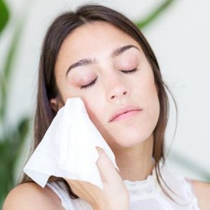 Can I Use Baby Wipes as Flushable Wipes for Cleaning Face