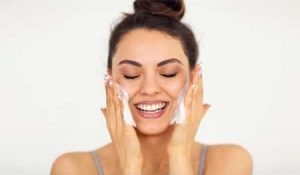 How to Use a Cleanser