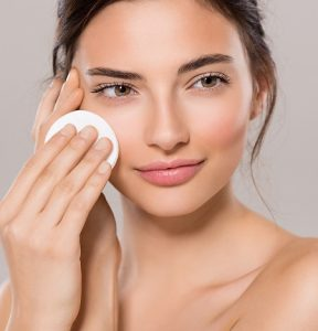 What does toner do to your skin